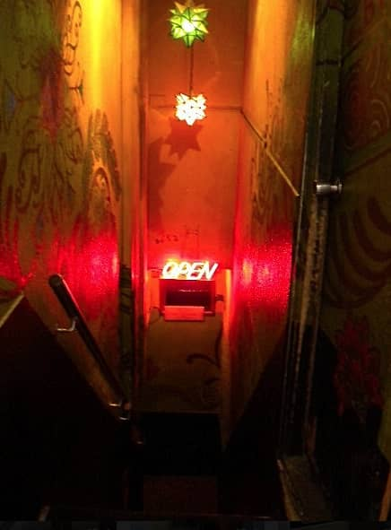 銀座300円Bar 5丁目店 階段