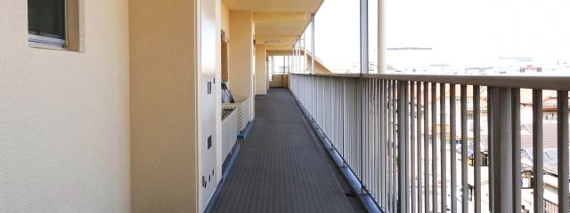 マンションの外廊下