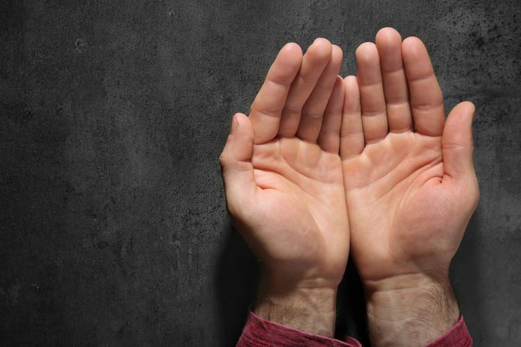 男性の手のひら