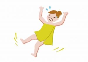 お風呂で滑る女性